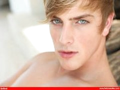 BelAmi Blond Hottie Solo
